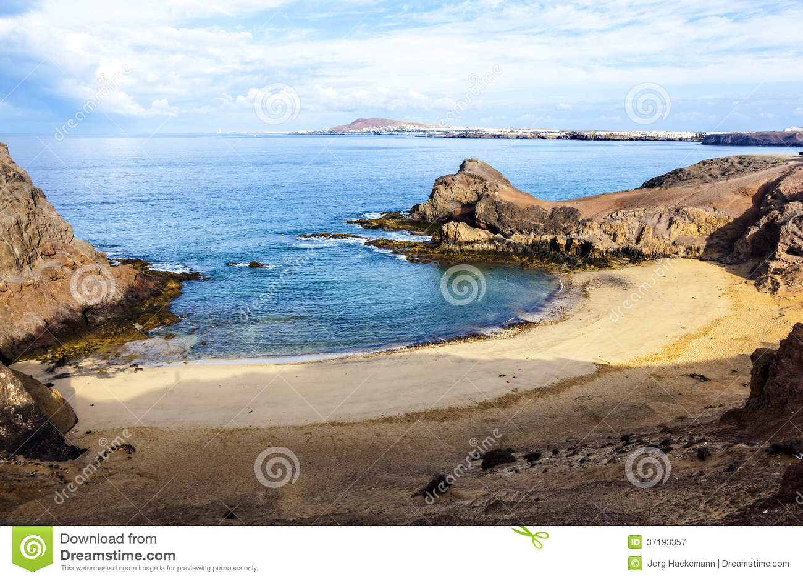 playa de papagayo het strand van de papegaai op lanzarote canarische eilanden stock. Black Bedroom Furniture Sets. Home Design Ideas