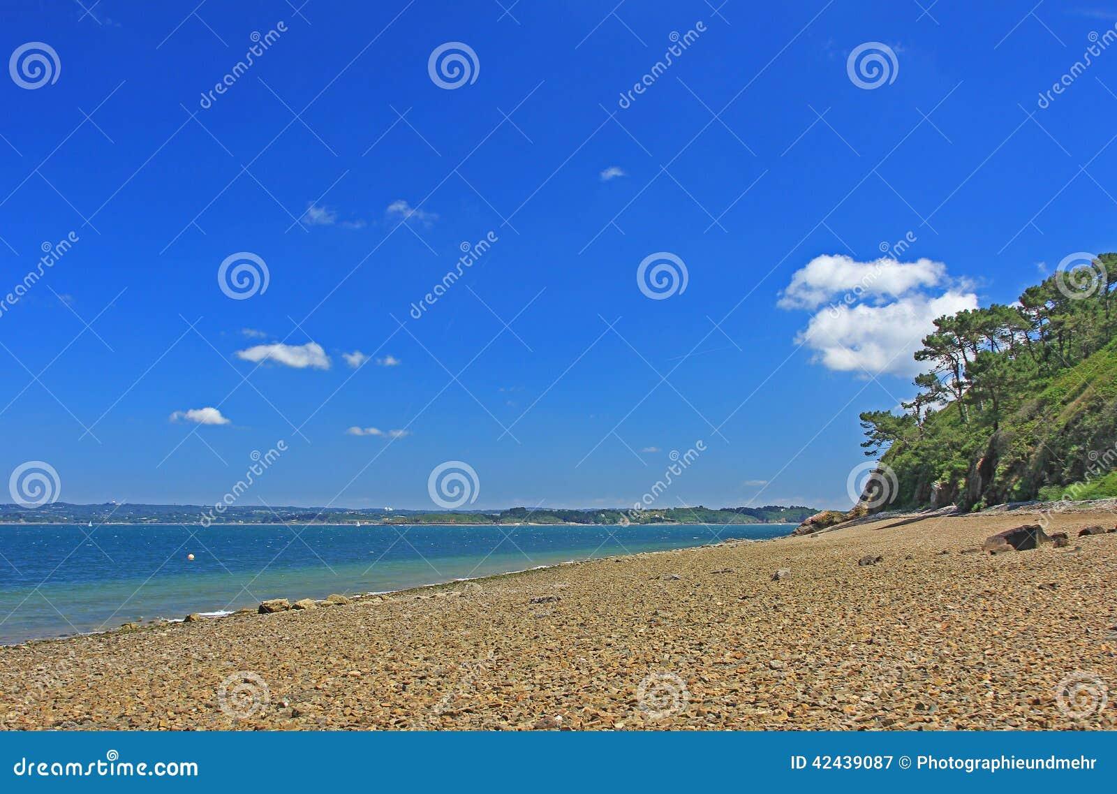 Playa de piedra Finistere Bretaña