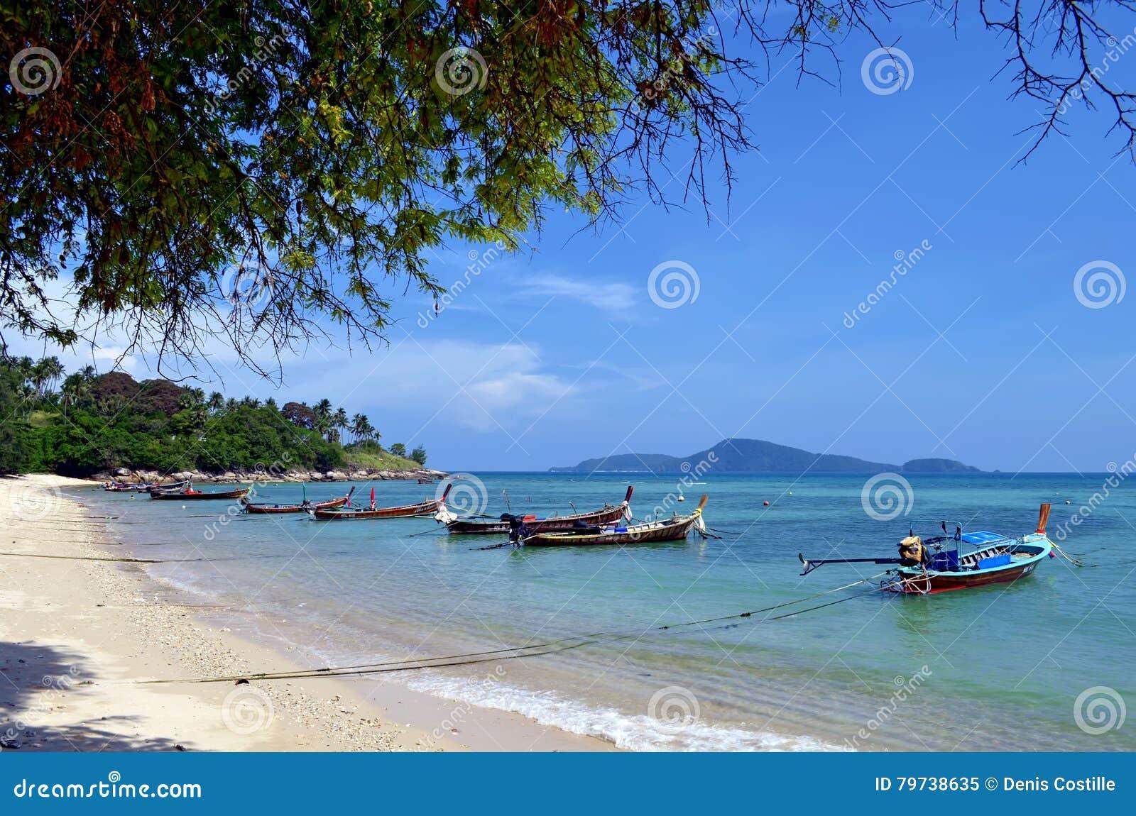Playa de Rawai en la isla de Phuket, Tailandia