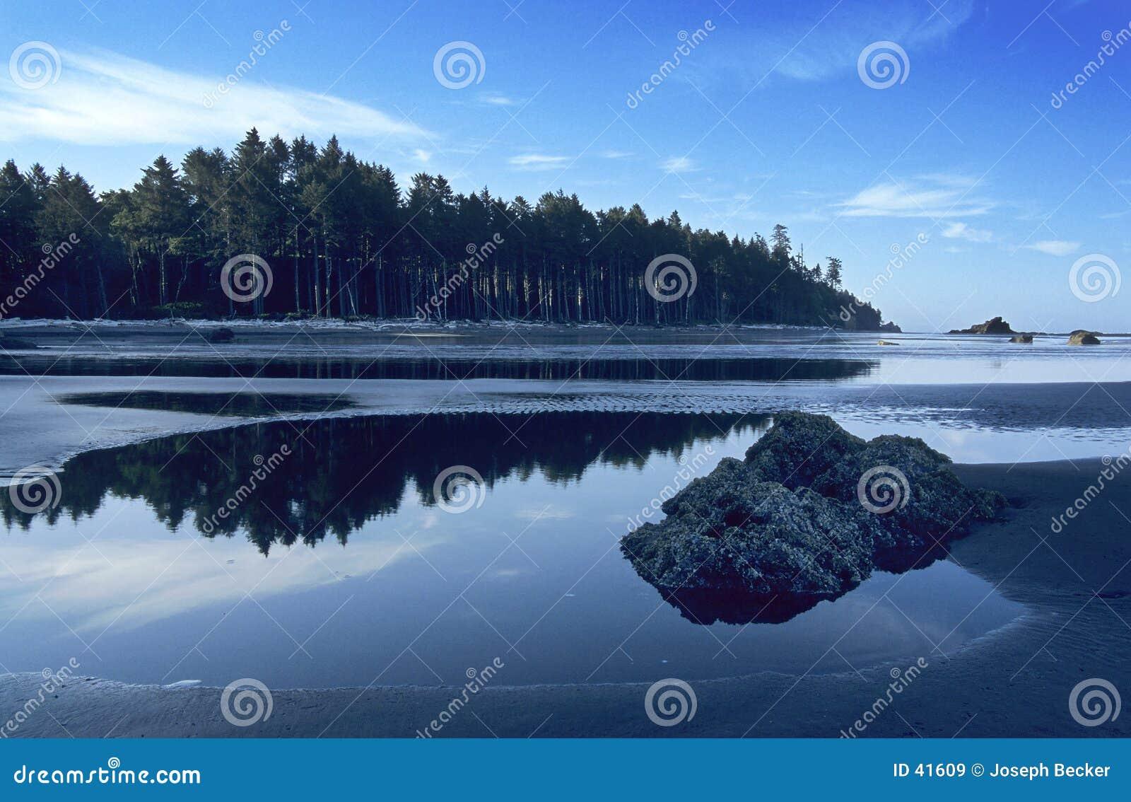 Download Playa de rubíes imagen de archivo. Imagen de rocas, playa - 41609