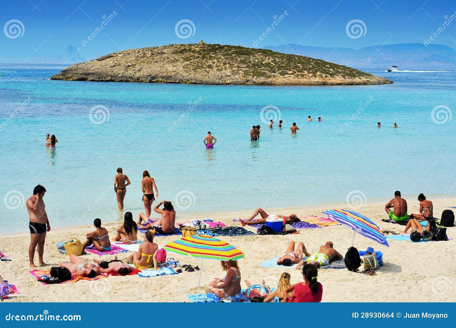 playa de ses illetes formentera balearerna
