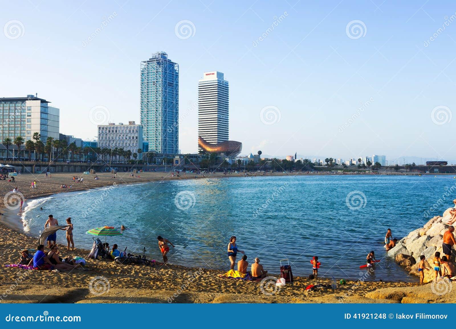 Playa de Somorrostro por la tarde Barcelona