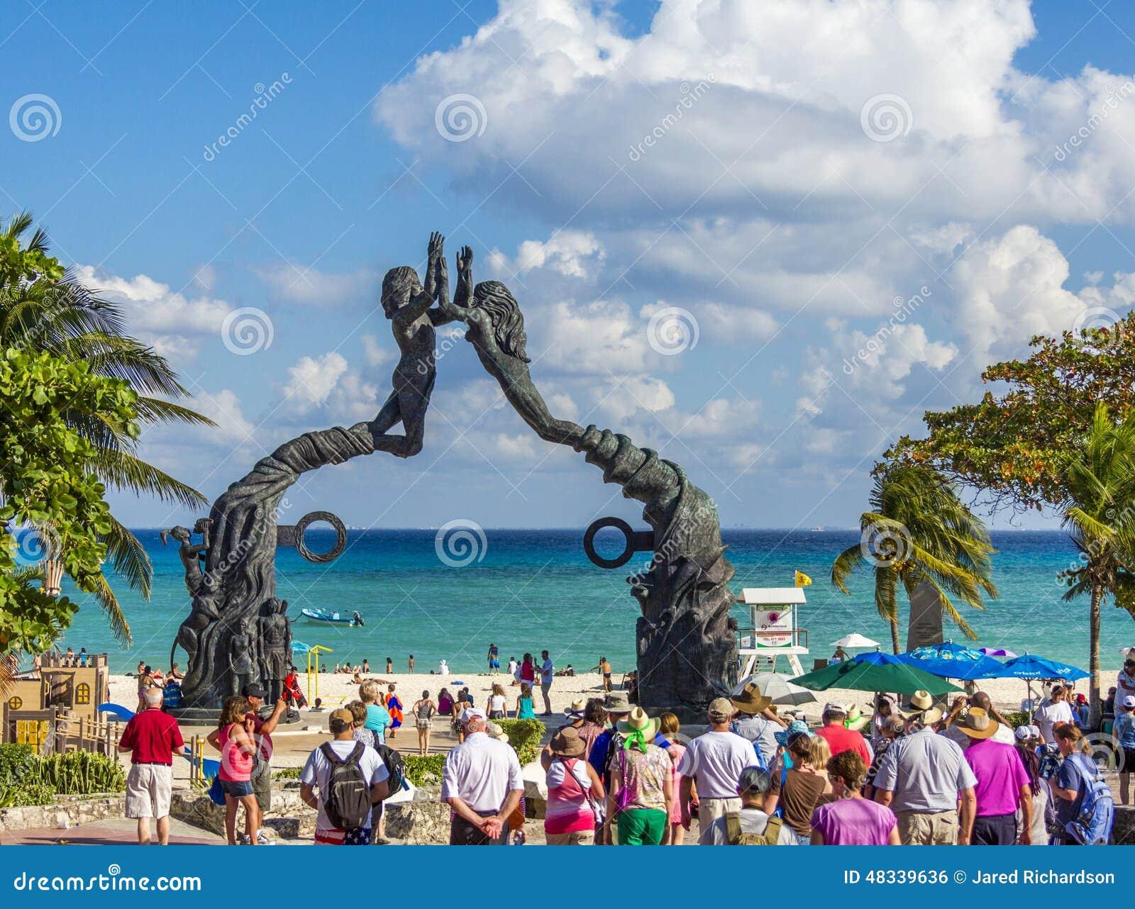Playa Del Carmen Monument Yucatan Mexico Editorial Photo - Image ...