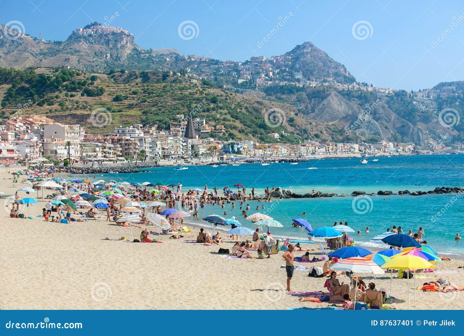Cele mai bune 10 hoteluri din Giardini Naxos, Italia (Prețuri de la lei)