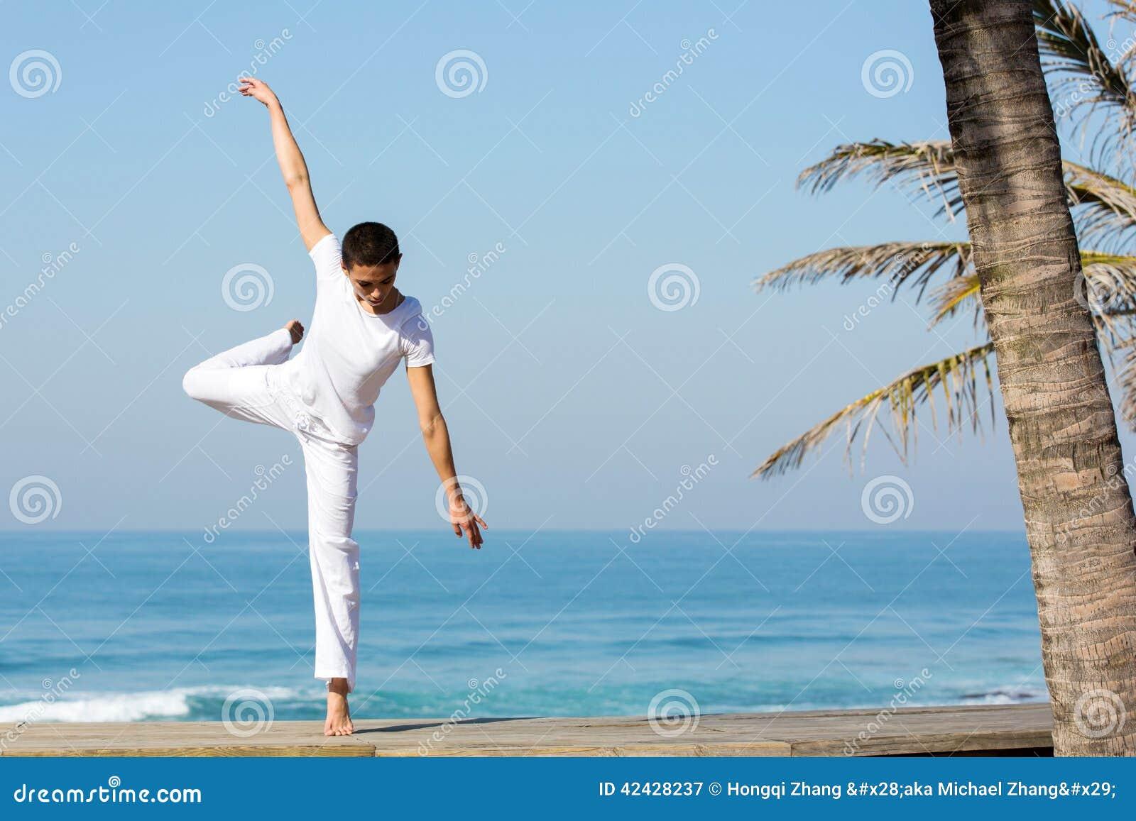 Playa femenina del bailarín