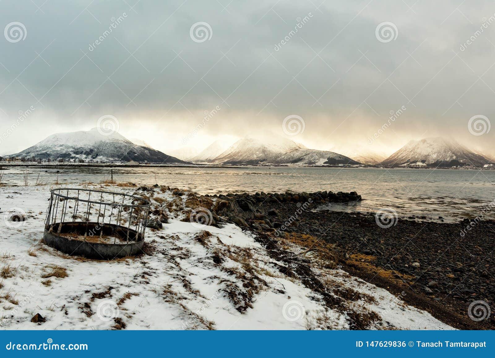 Playa rocosa en Noruega