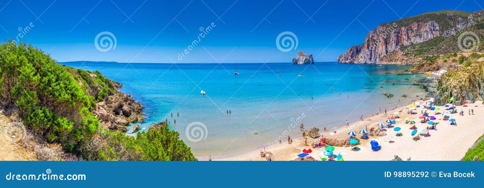 Playa y Pan di Zucchero, Costa Verde, Cerdeña, Italia de Spaggia di Masua