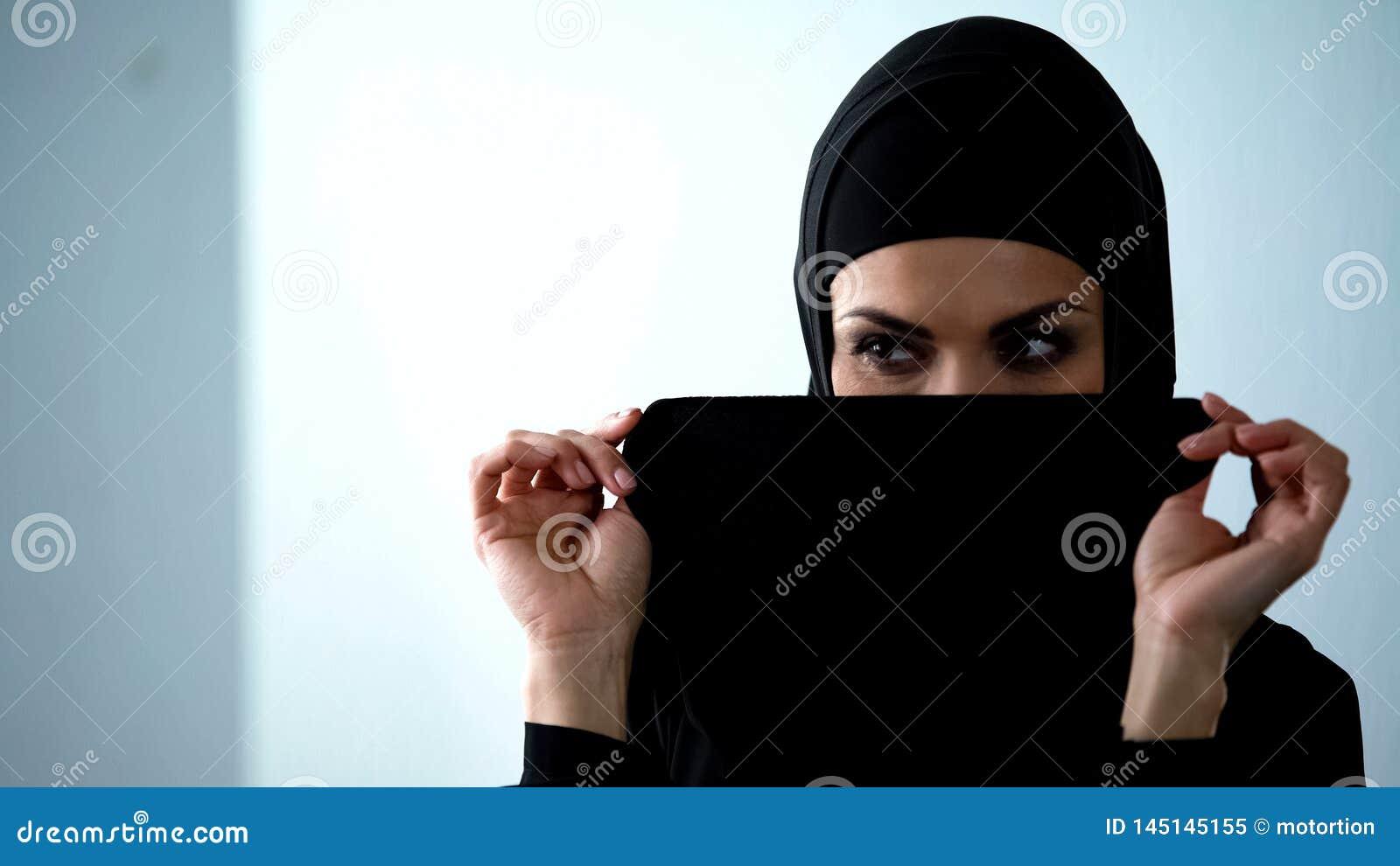 Hogyan lehet megmondani, ha egy arab srác kedvel téged?