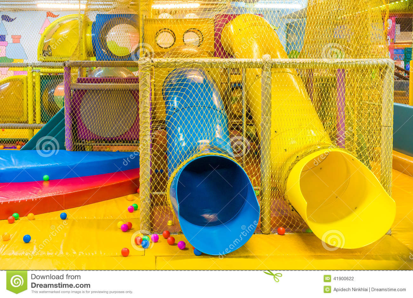 Ihram Kids For Sale Dubai: Playground In Indoor Amusement Park For Children Stock