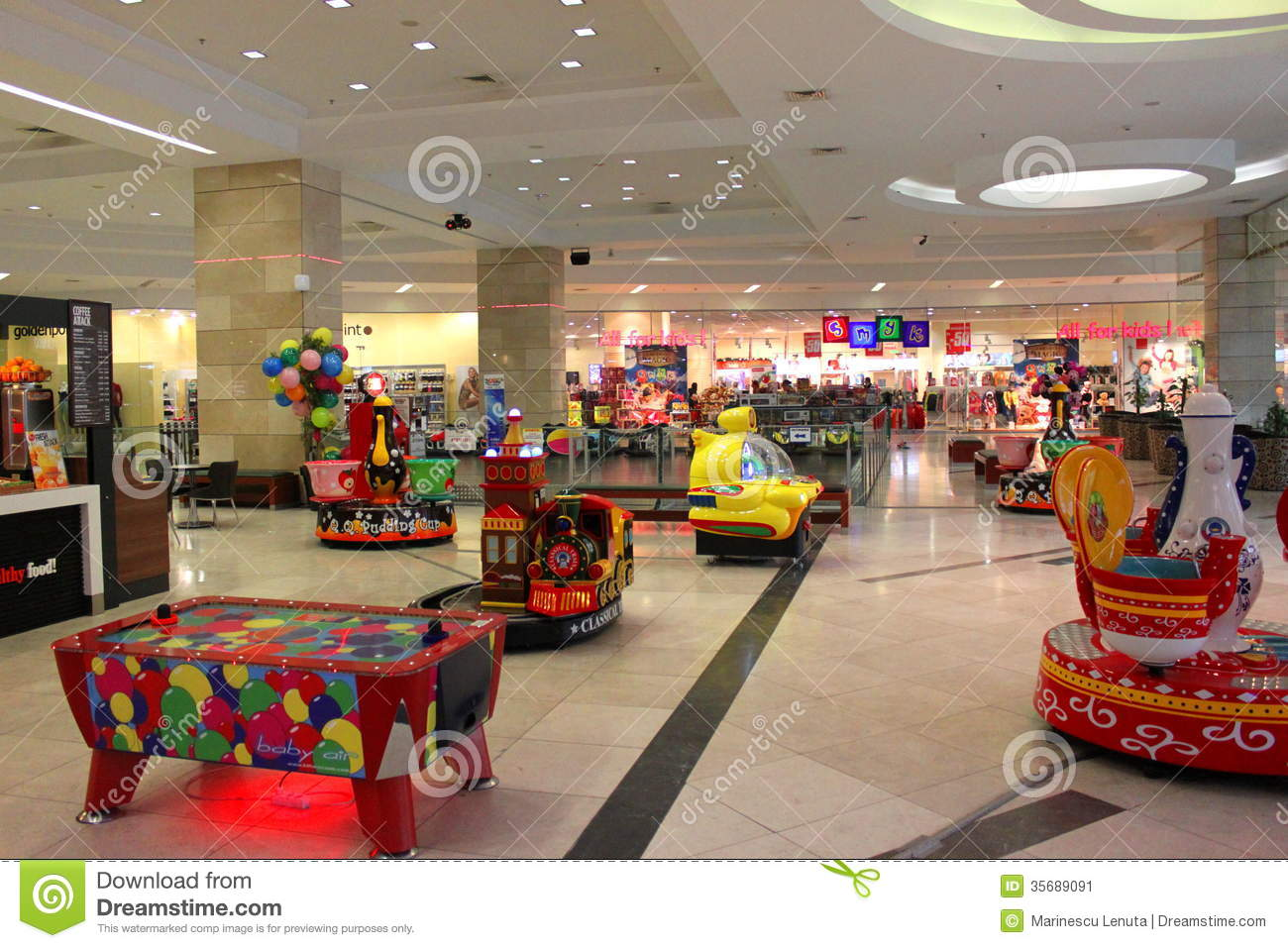stoned in the mall the kids play