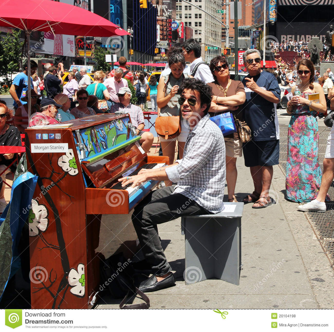 Playing the piano in times square editorial stock photo for What to do around times square