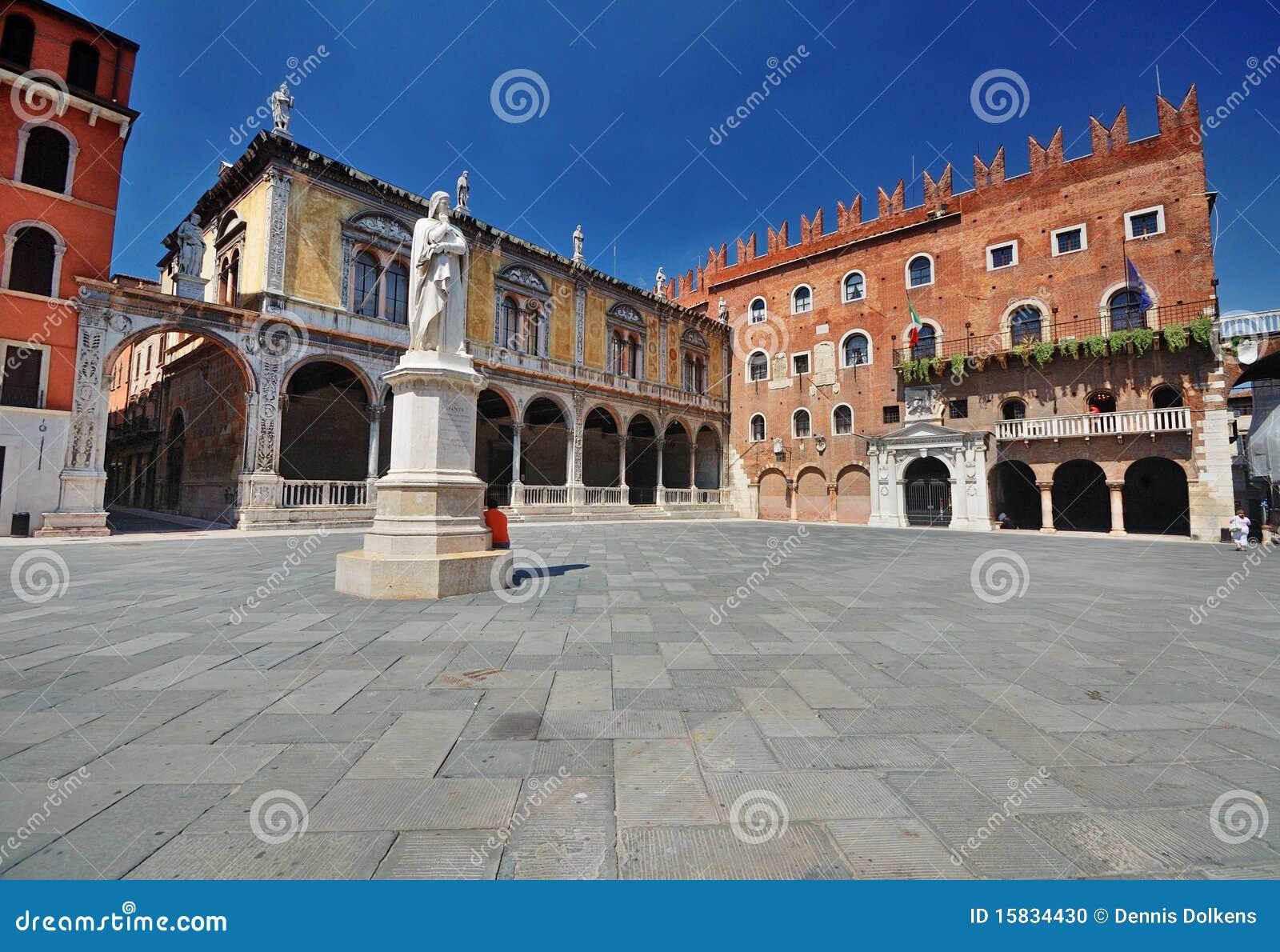 Plaza Dante en Verona