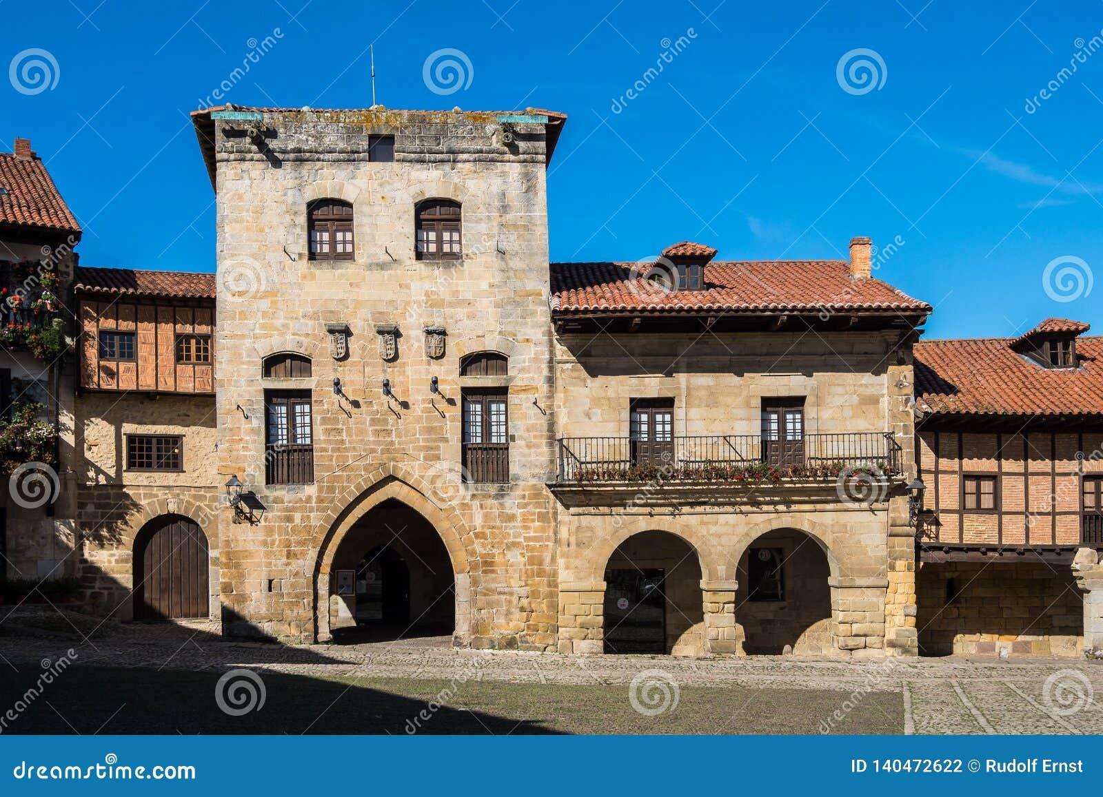 Plaza de Bürgermeister in Santillana Del Mar, Kantabrien, Spanien