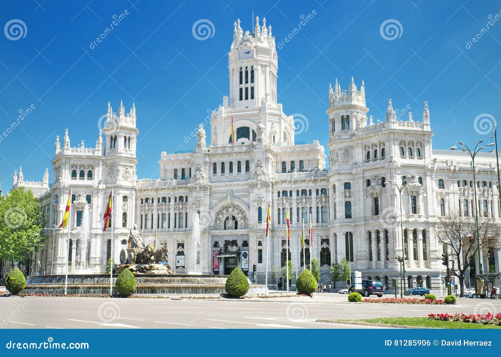 Plaza DE Cibeles en Palacio DE Comunicaciones, beroemd oriëntatiepunt in Madrid, Spanje