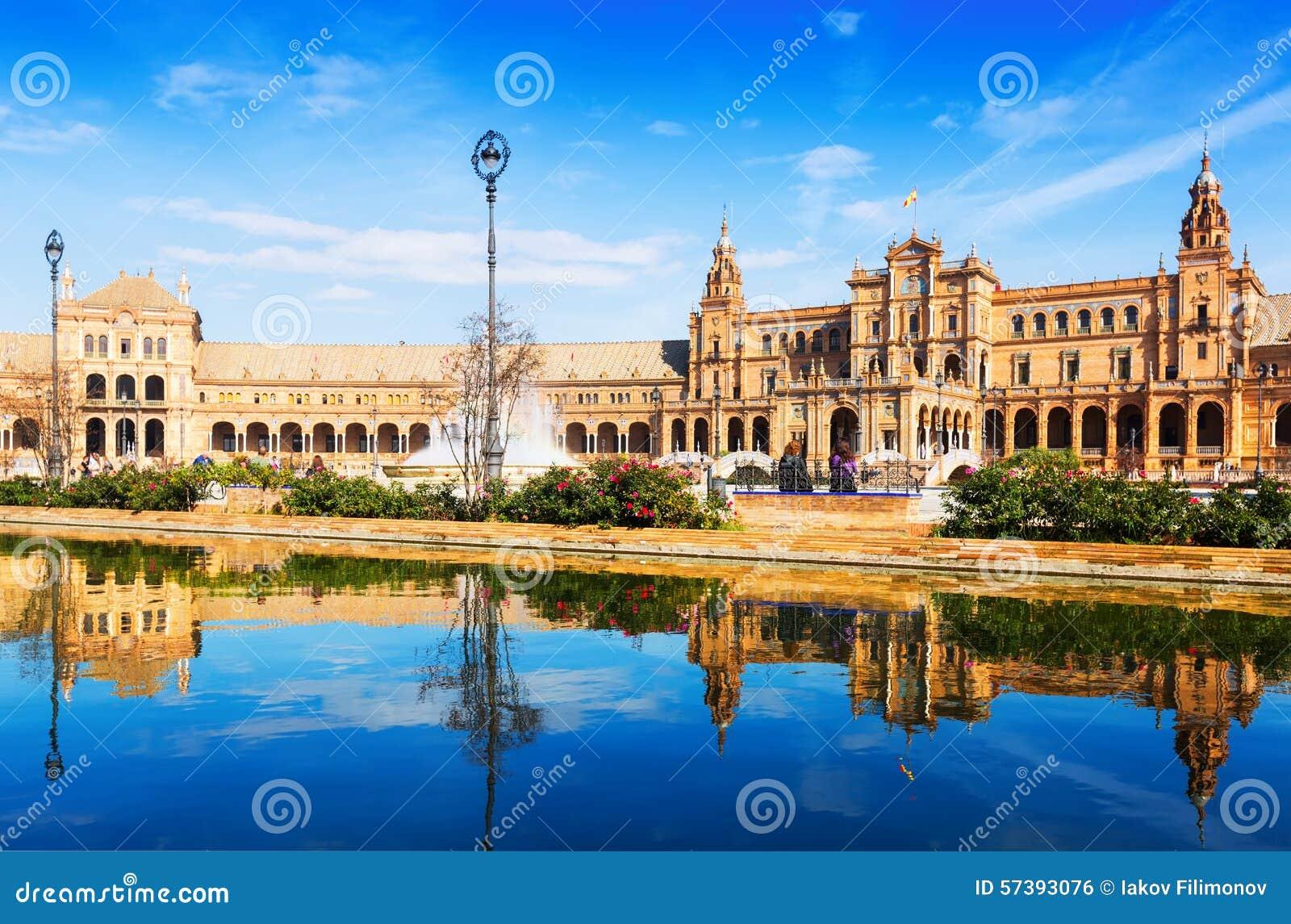 Plaza DE Espana in zonnige dag in Sevilla