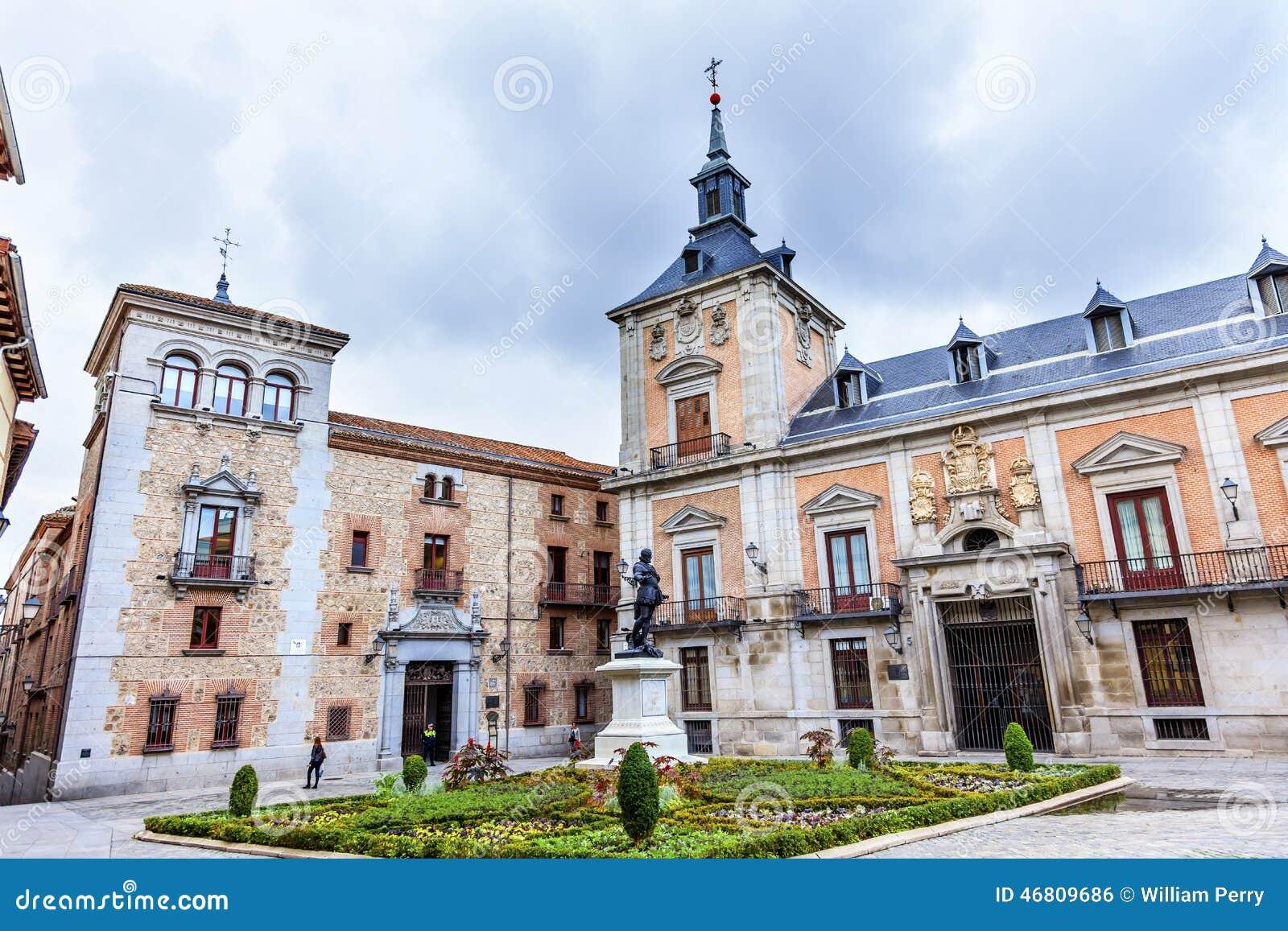 Plaza de la villa casa de cisneros madrid espagne photo stock image du statue monument 46809686 - Casa de madrid ...