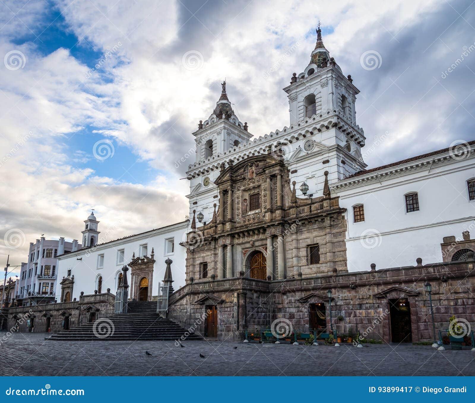 Plaza de San Francisco y St Francis Church - Quito, Ecuador