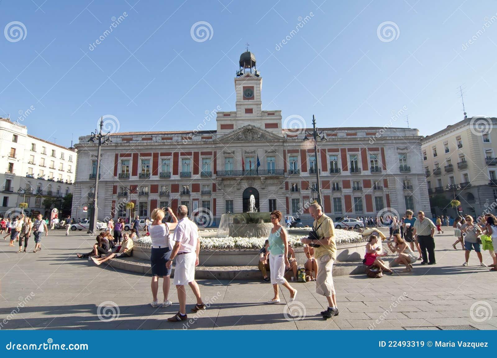 Plaza del sol en madrid espa a imagen de archivo for Que ver en sol madrid