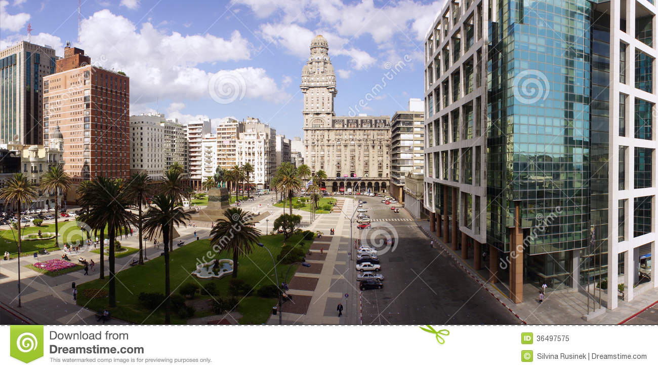 Plaza Independencia On Montevideo Editorial Image - Image: 36497575