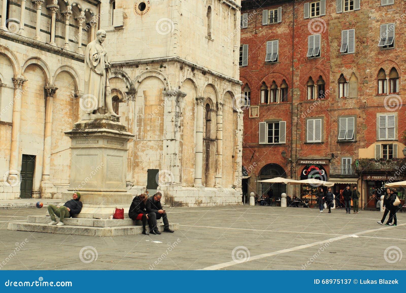 Plaza San Micaela en Lucca
