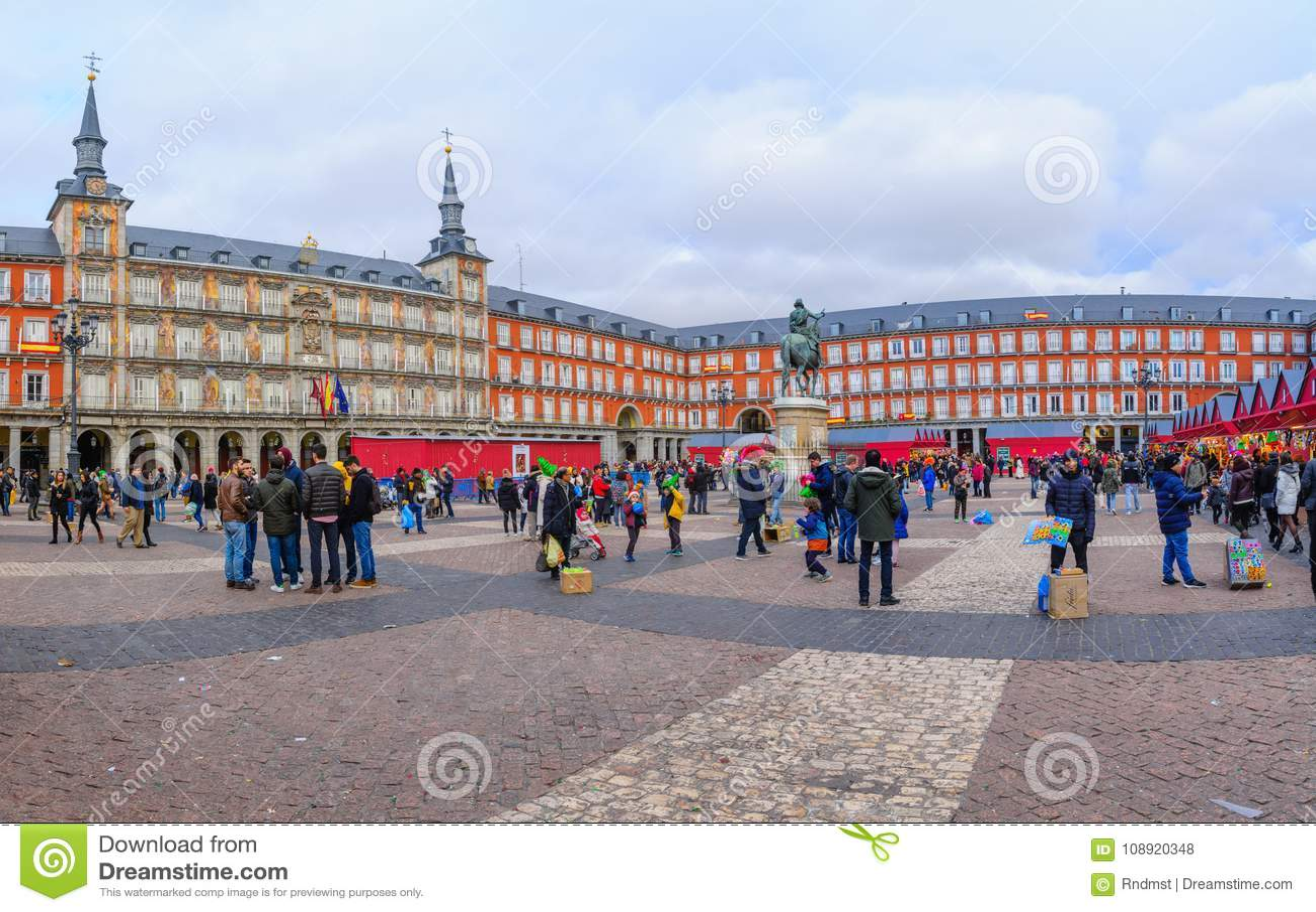Plazaborgmästaren med jul marknadsför, i Madrid