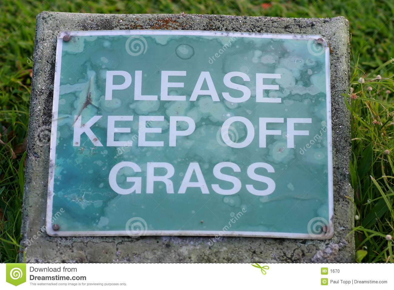 Please Keep Off Grass Sign