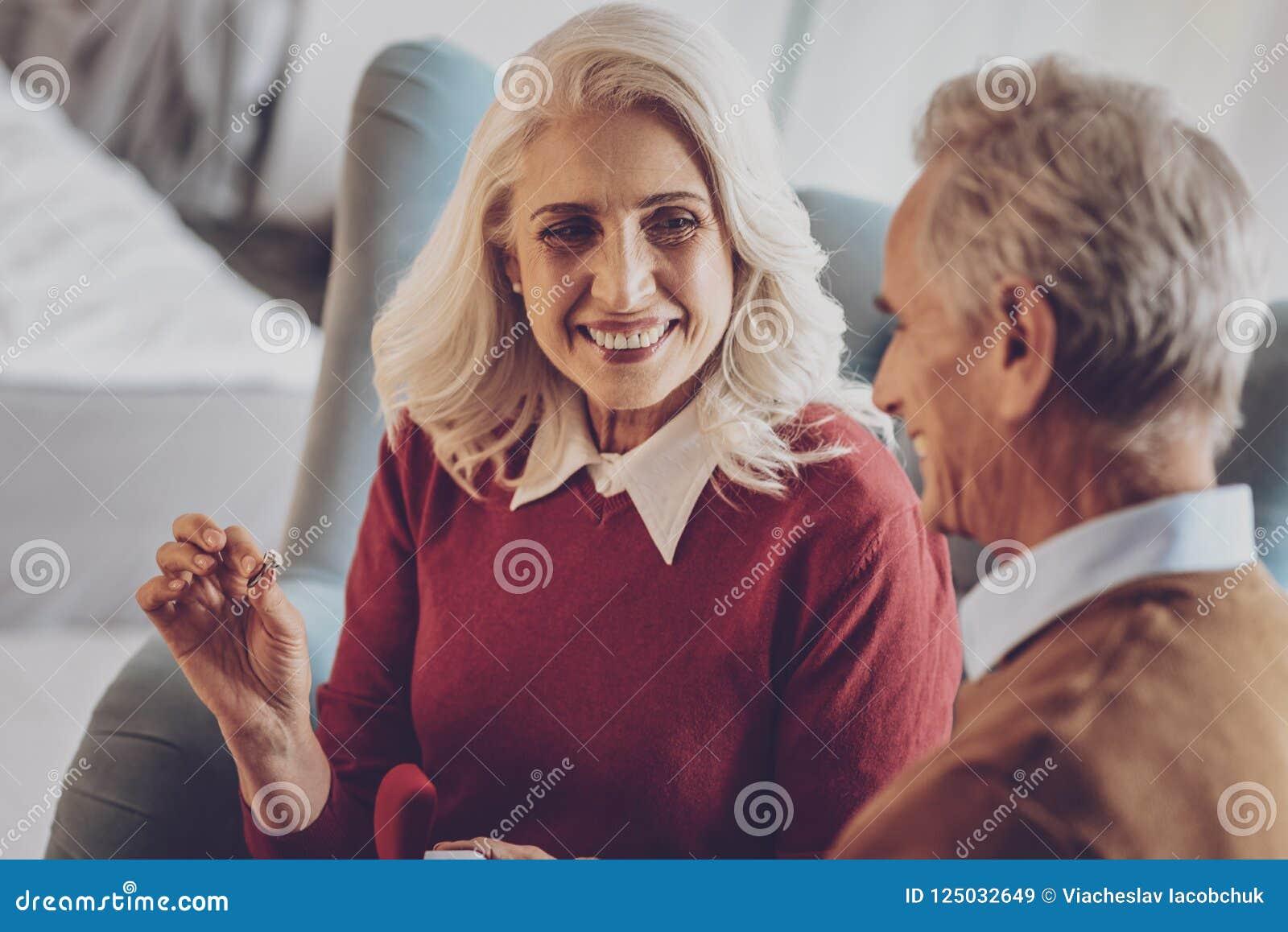 Mature women date