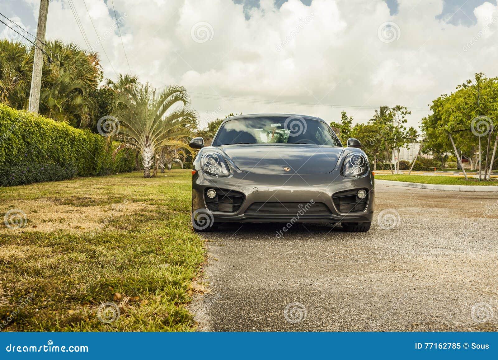 Plein tir Porsche Cayman Scène urbaine