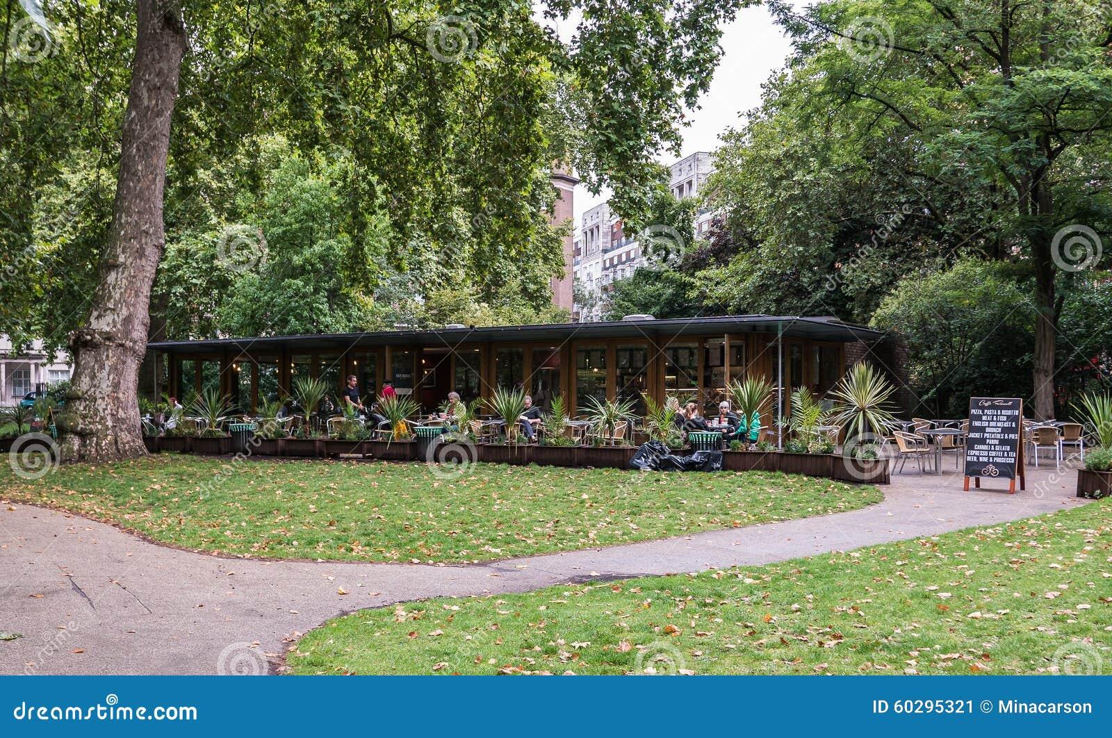 Plenerowa kawiarnia w Russell kwadracie, Londyn, UK