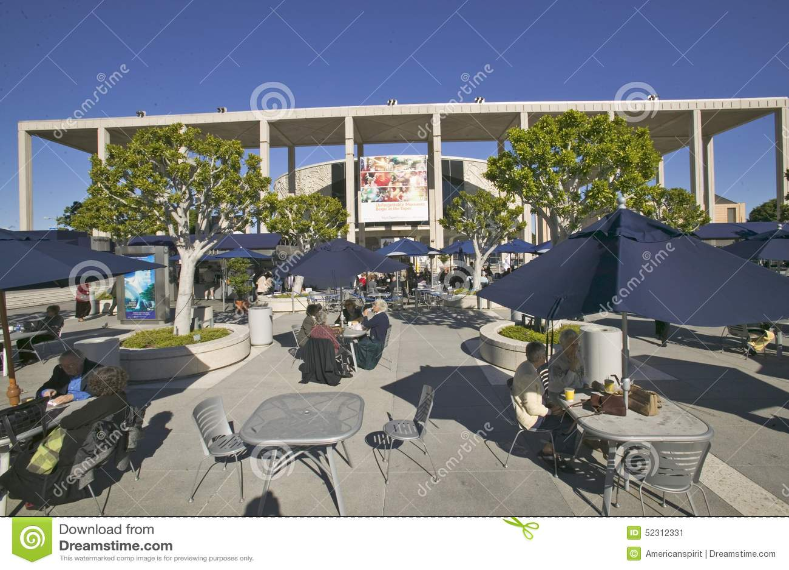 Plenerowy cafï ¿ ½ przy Dorothy Chandler pawilonem, W centrum Los Angeles, Kalifornia