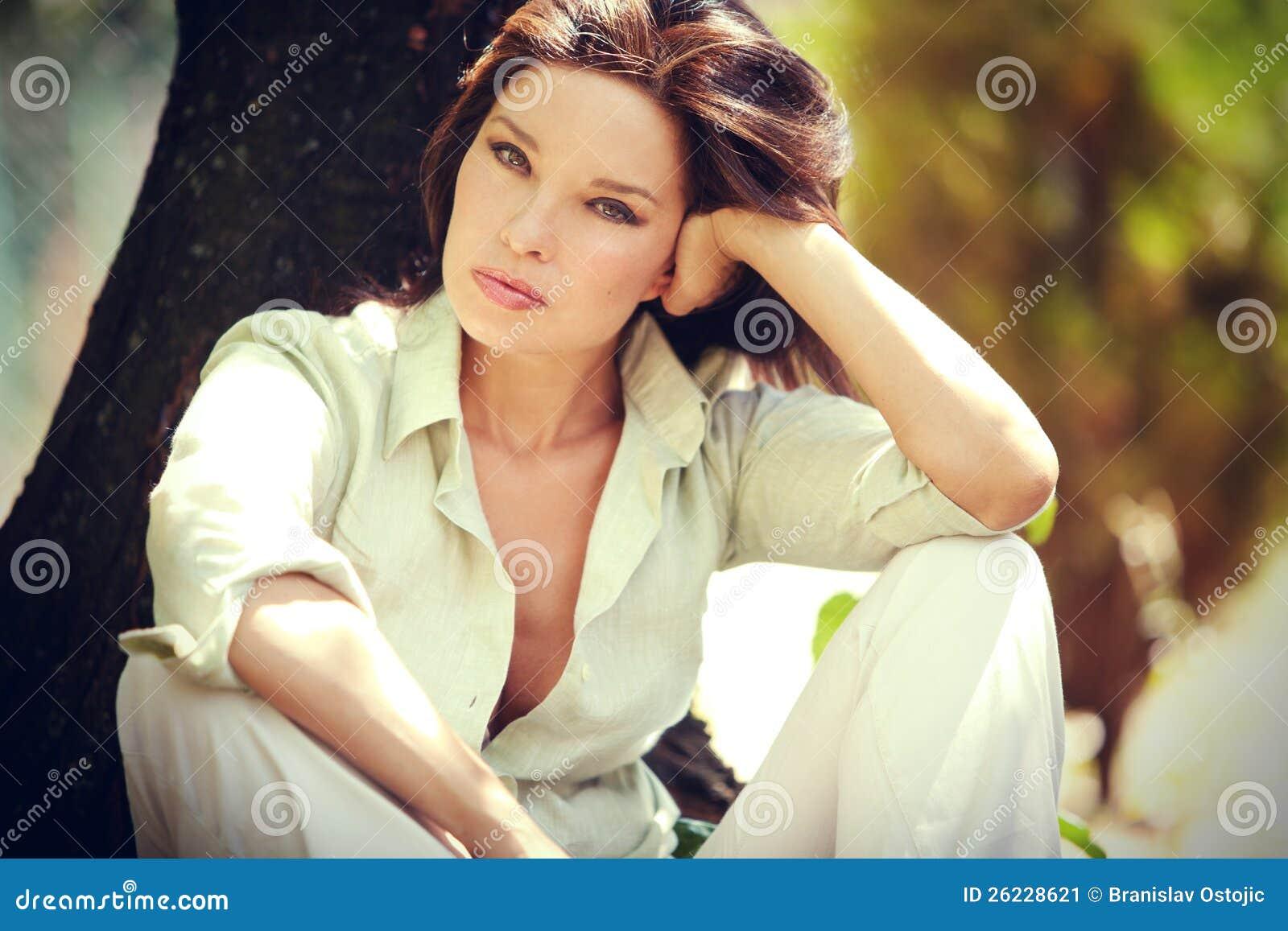 Plenerowy kobieta portret