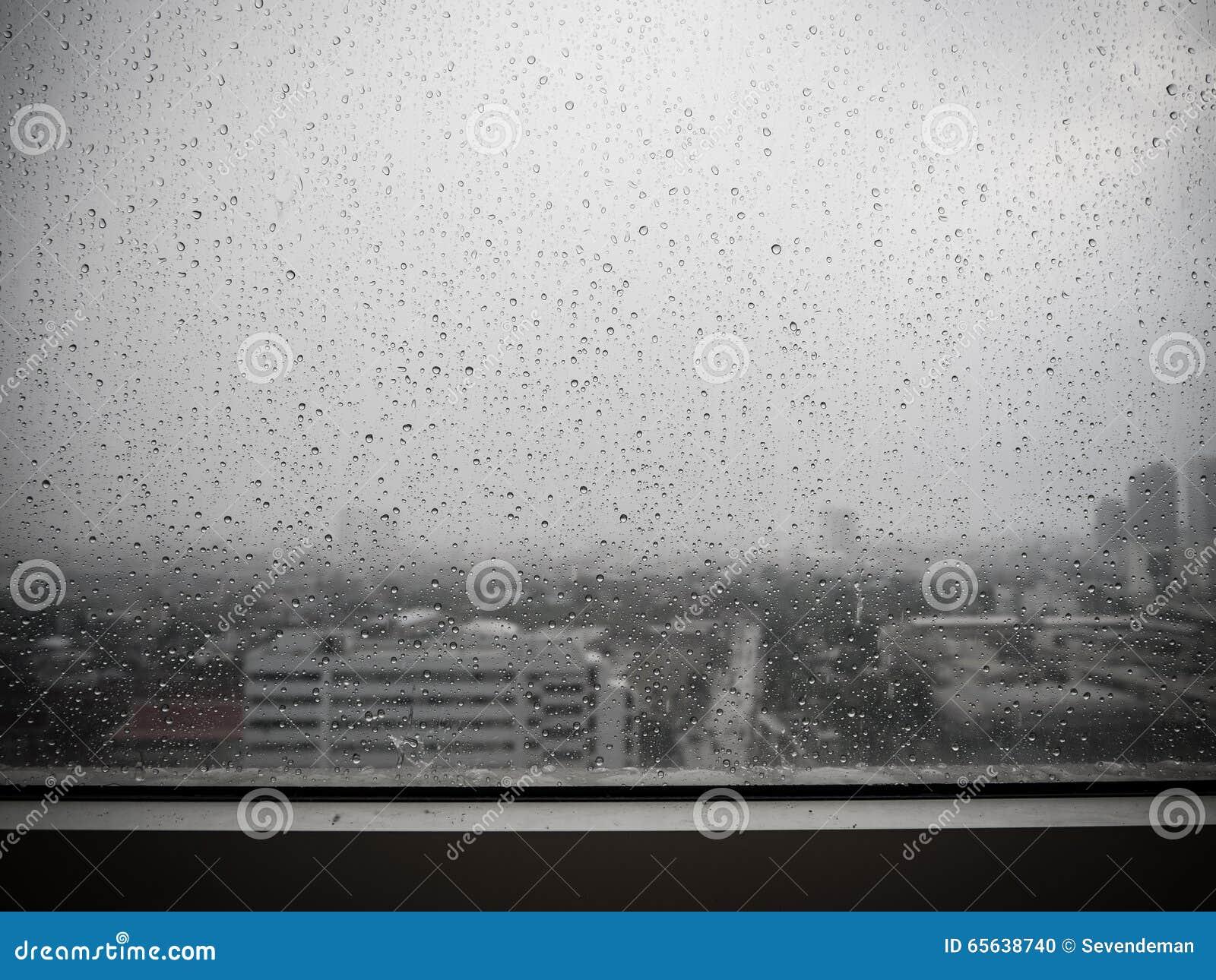 Pleuvoir sur la fenêtre