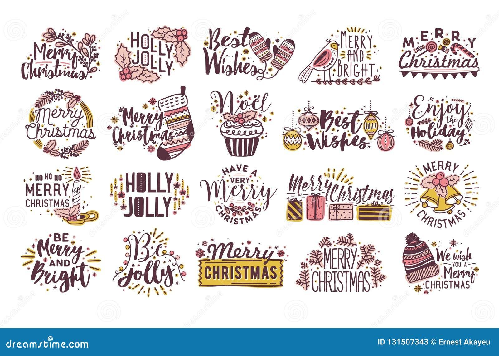 Plik boże narodzenia pisać literowaniu dekorującym sezonowymi zim dekoracjami - uświęconi liście, baubles, trykotowy kapelusz