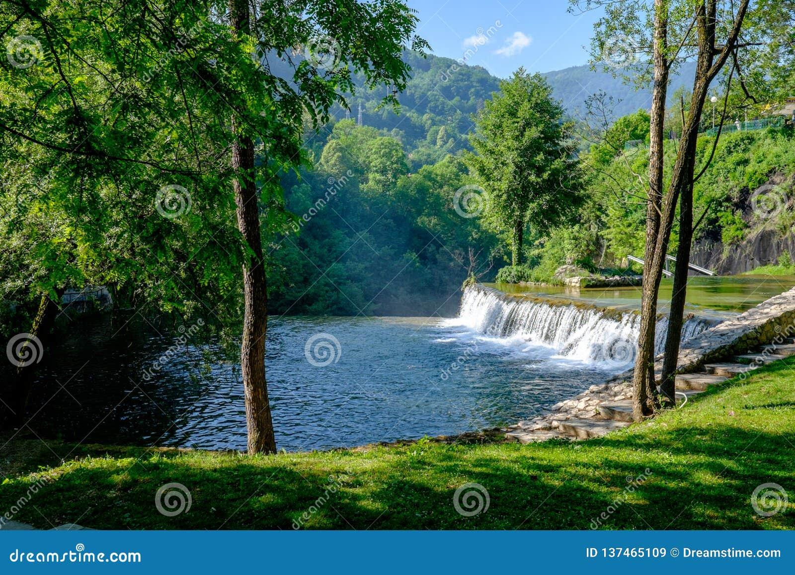 Pliva siklawy przy Jacje, Bośnia i Herzegovina,