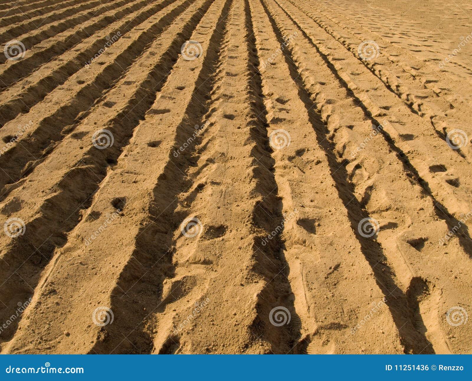 Plogat klart för odling ny jordning