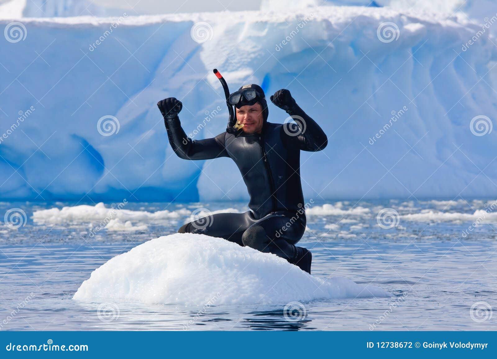 Plongeur sur la glace