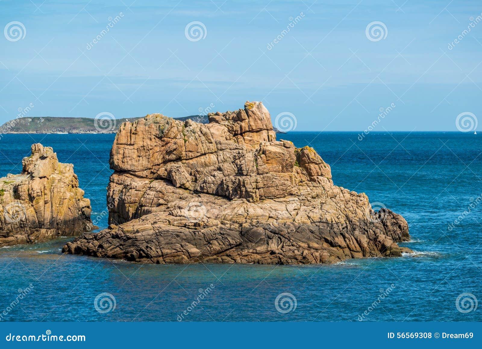 Download Ploumanach στη ρόδινη ακτή γρανίτη, Βρετάνη, Γαλλία Στοκ Εικόνες - εικόνα από ατλαντικό, φύση: 56569308