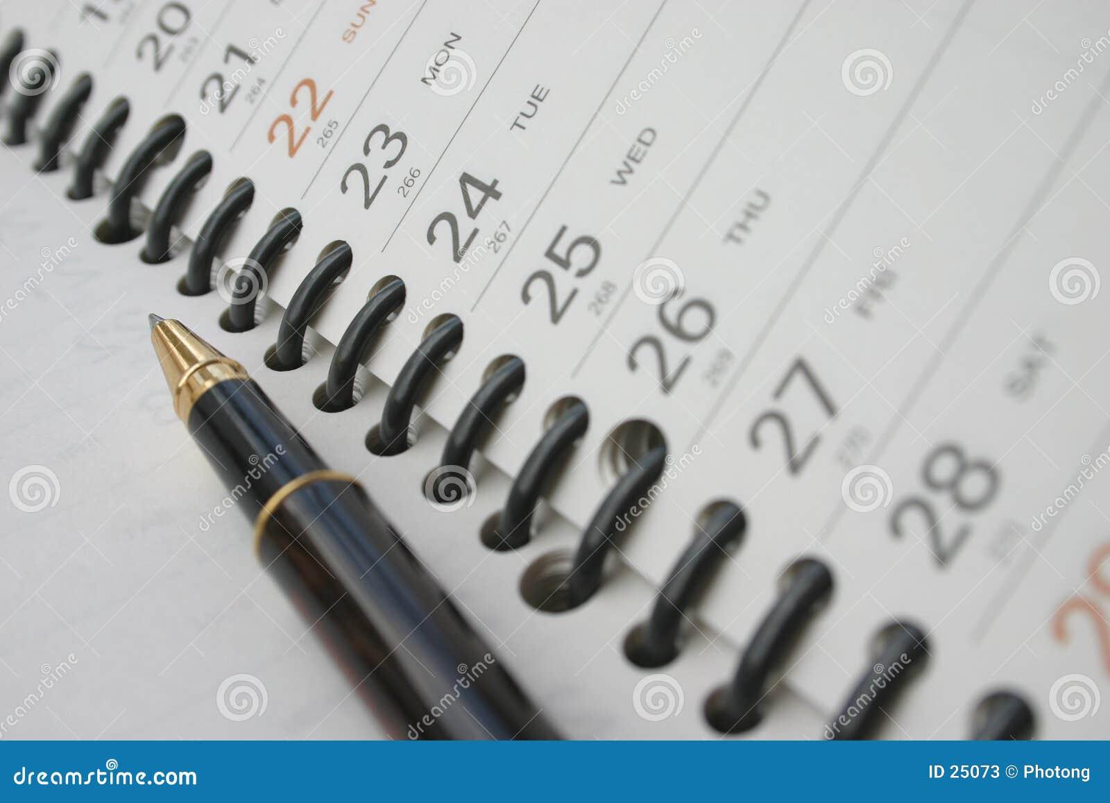 Pluma en el diario de las hojas de operación (planning)