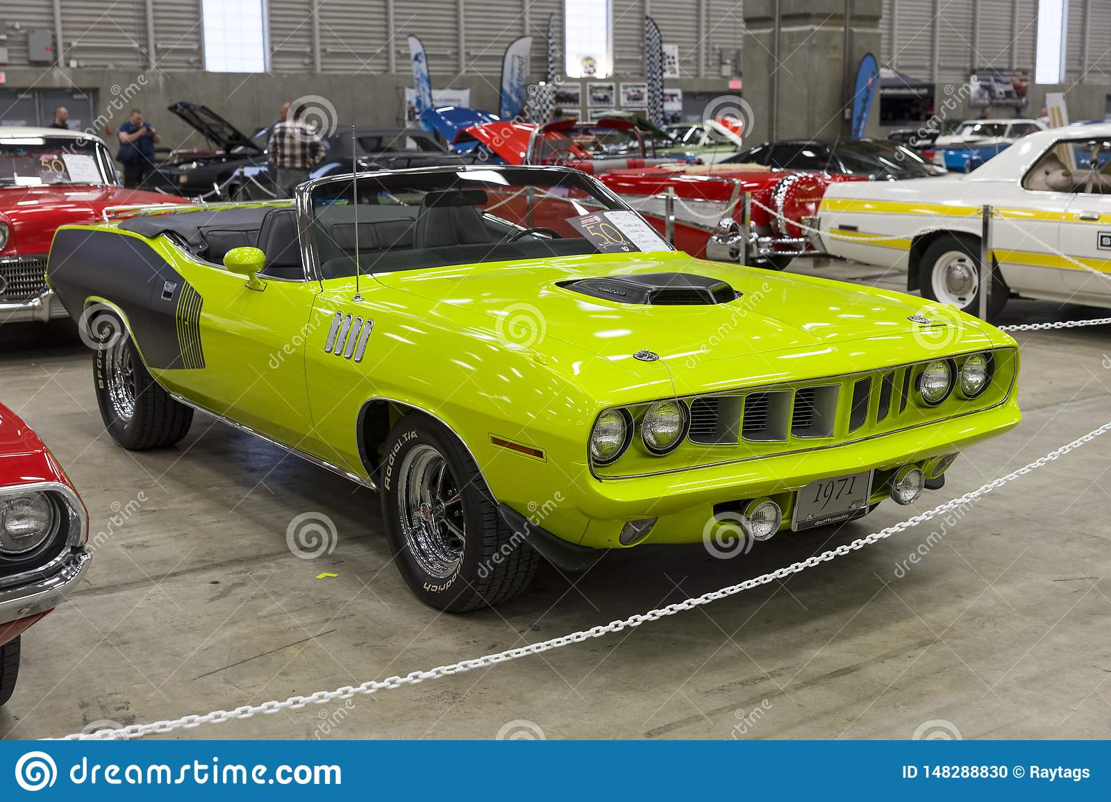 1971 plymouth hemi cuda convertible front side view