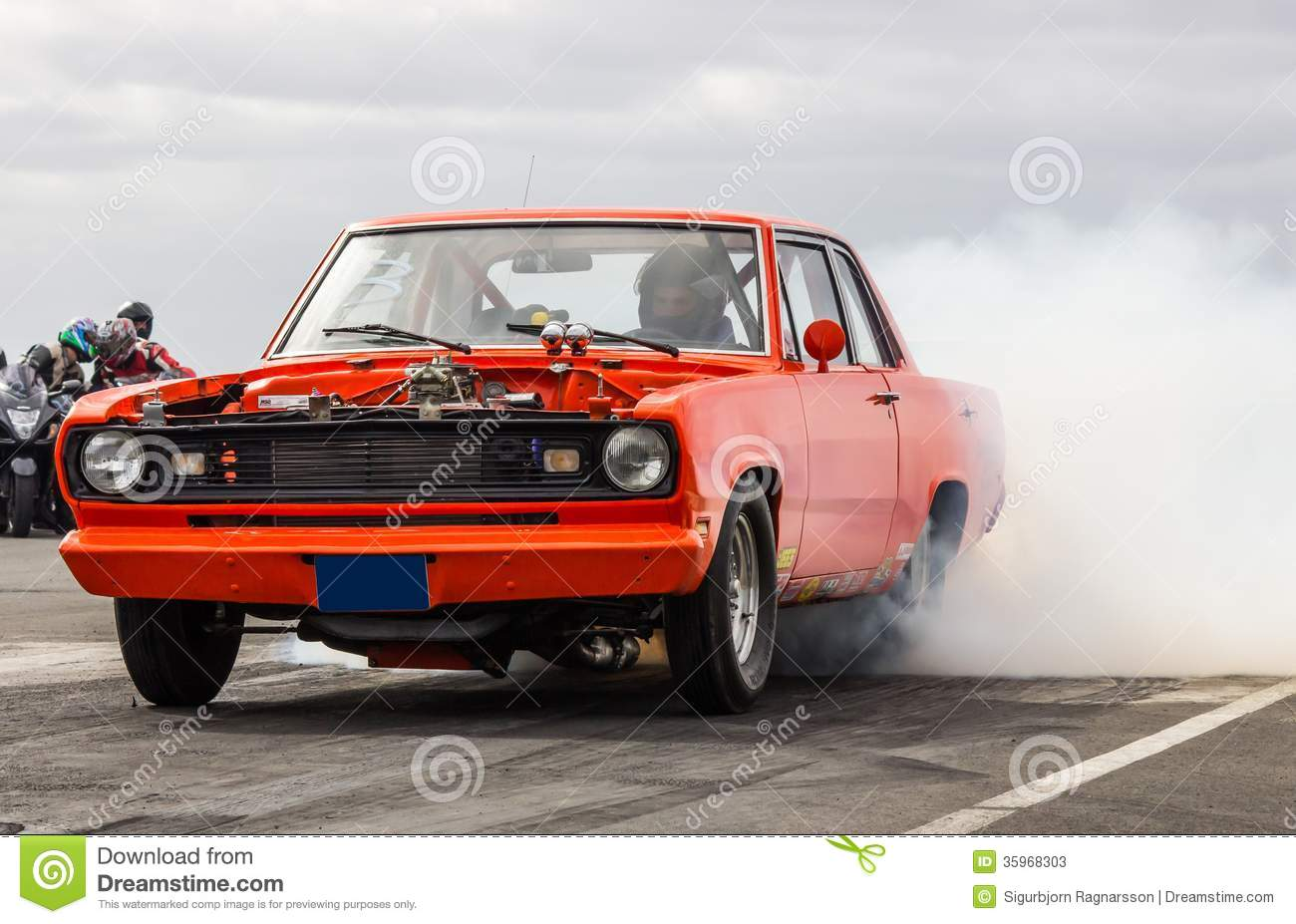 Photo 05 besides Stock Photos Plymouth Valiant Sig  Photo Drag Racing Iceland Muscle Car Burnout Image35968303 further 1009dp 800hp Twin Turbo Duramax Crate Engine together with Mopar Muscle Cars From All Over Pits At likewise Moto Guzzi Racer. on drag race car headlight
