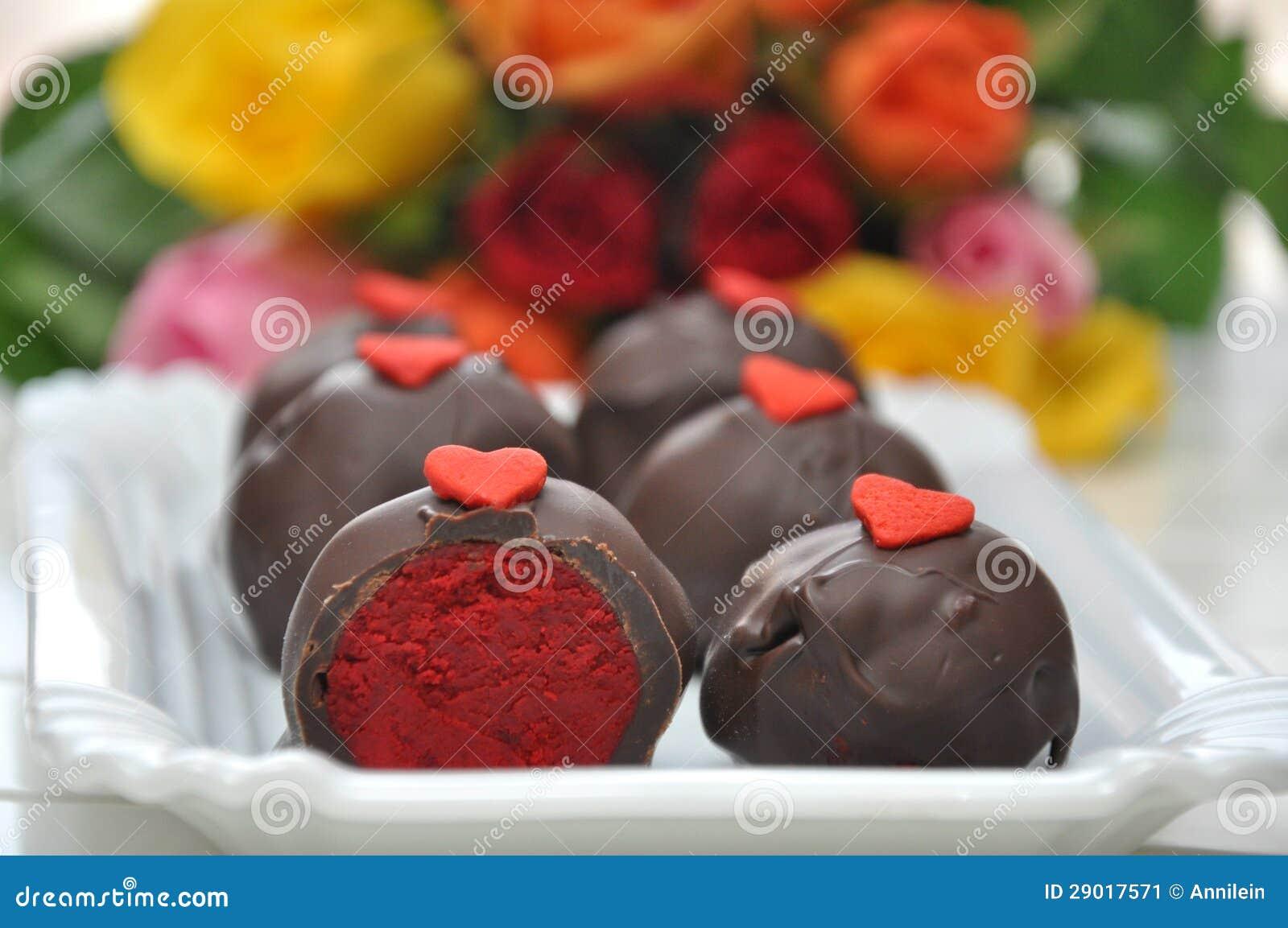 PNF vermelhos do bolo de veludo