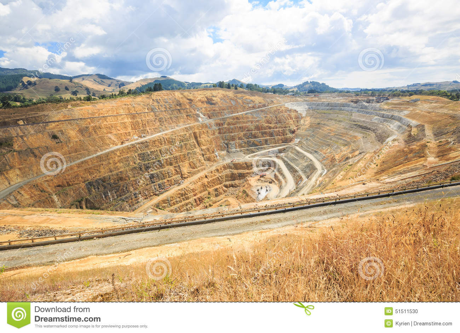 Poço aberto de uma mina de ouro martha em Waihi, Nova Zelândia