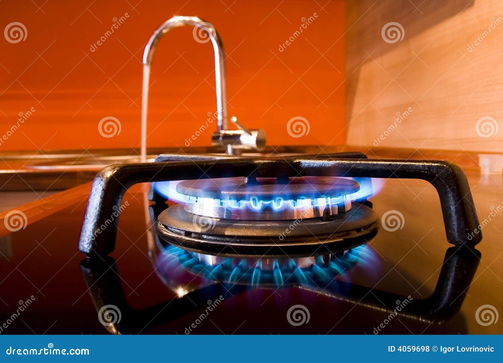 Poêle de gaz et prise d eau