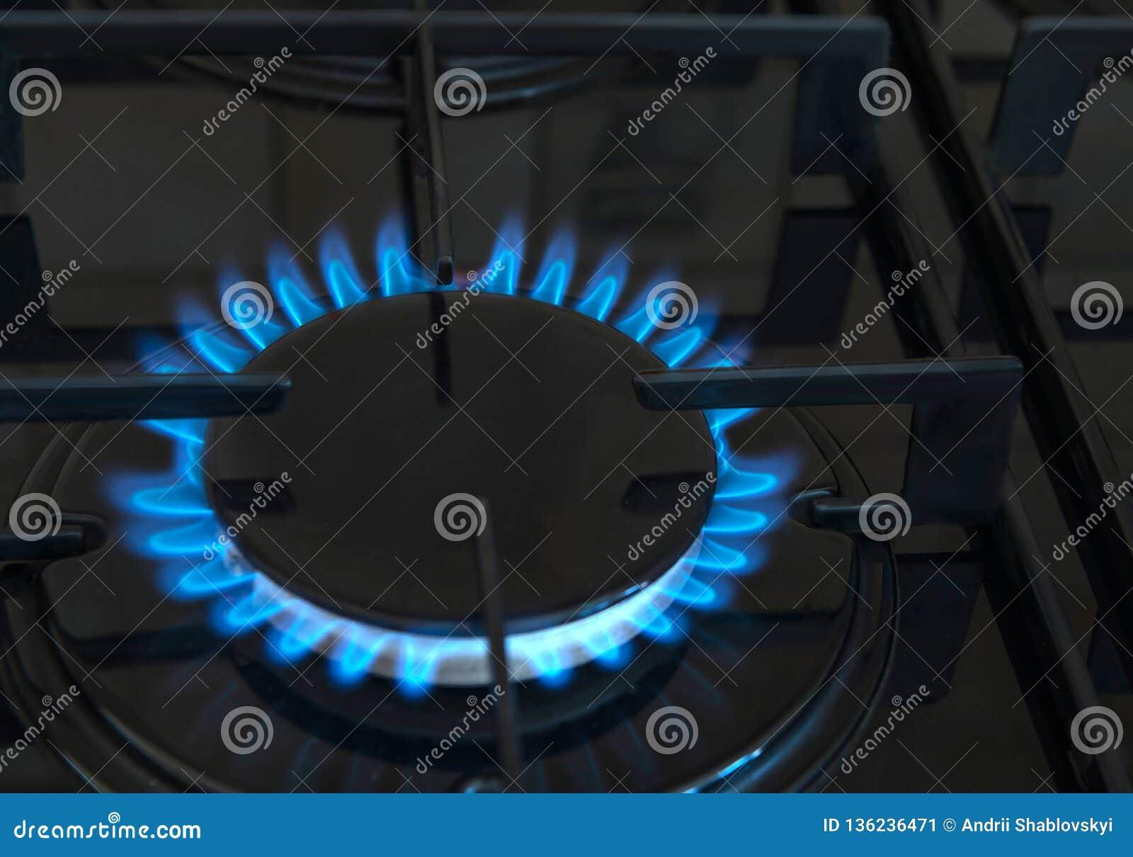 Poêle de gaz Gaz, le feu dans la cuisine