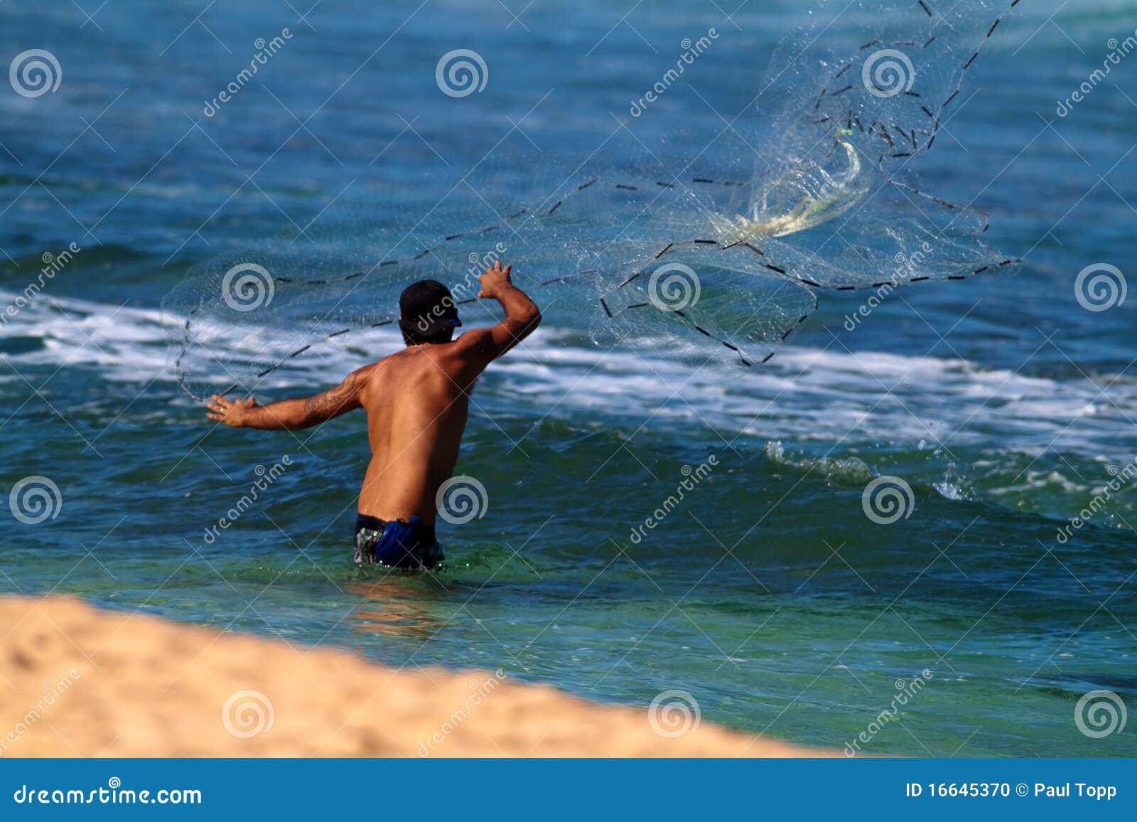 Połowu Hawaii mężczyzna sieci miotanie