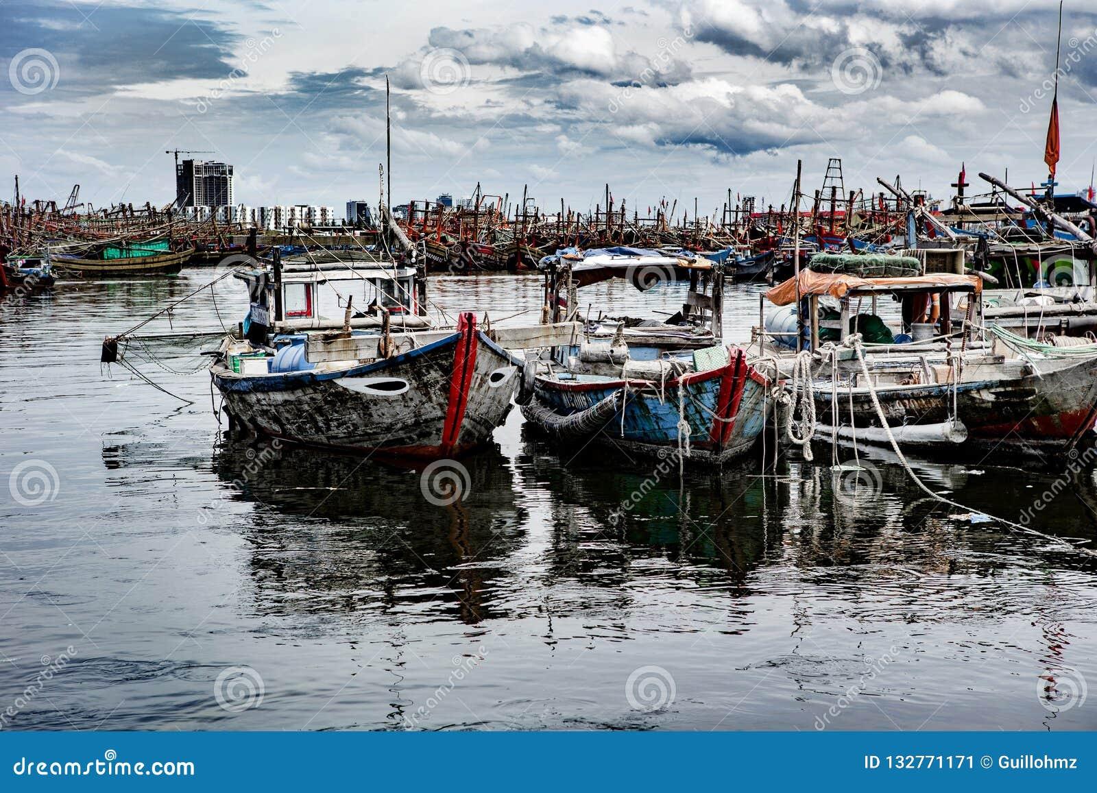 Połowu port w Danang w Wietnam
