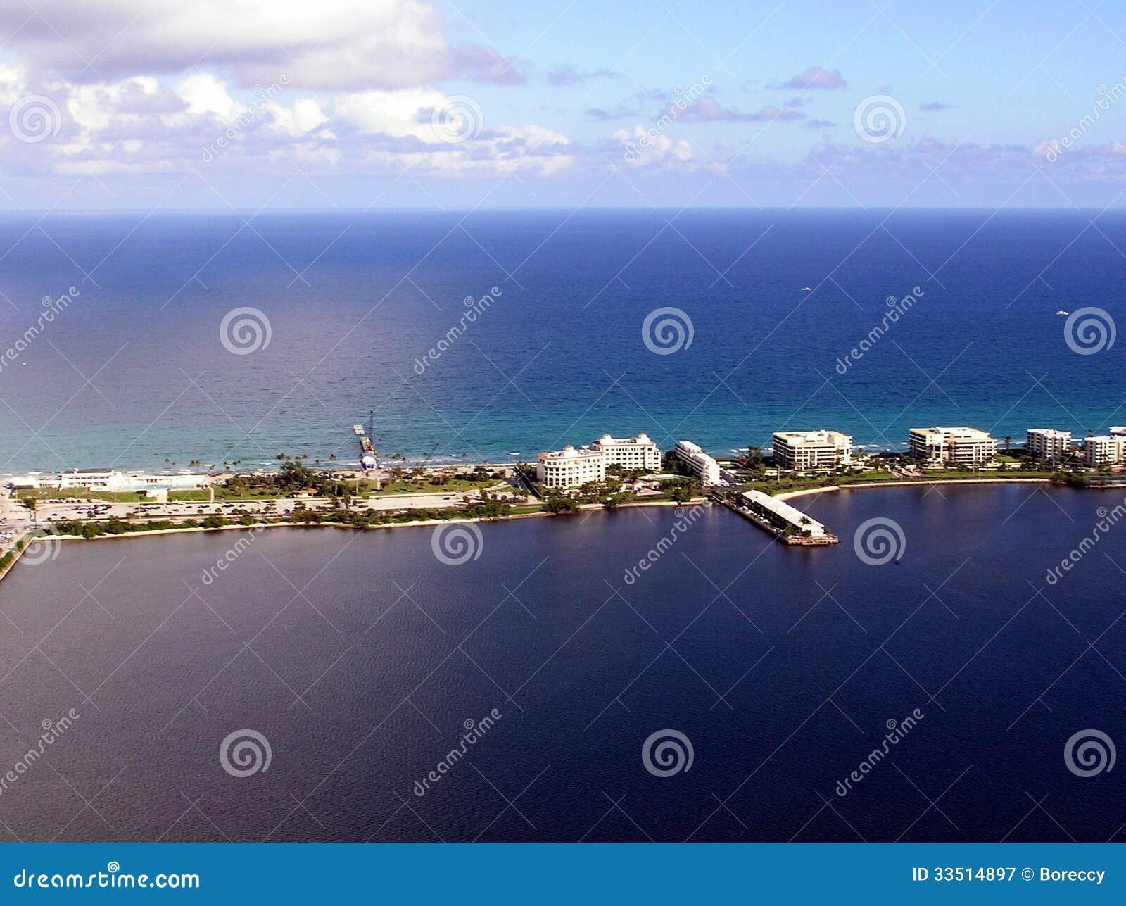 Południowy Jeziorny Warty mola widok z lotu ptaka & palm beach