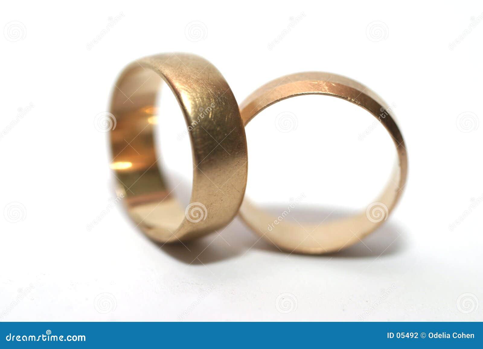 Poślubić pierścieni