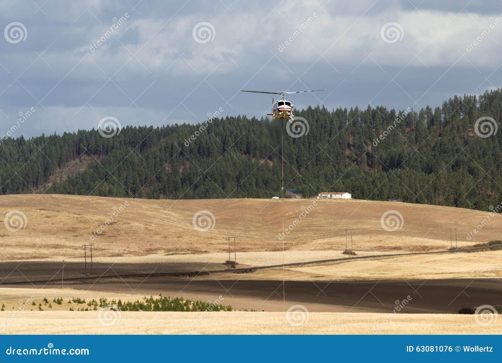 Pożarniczy helikopter