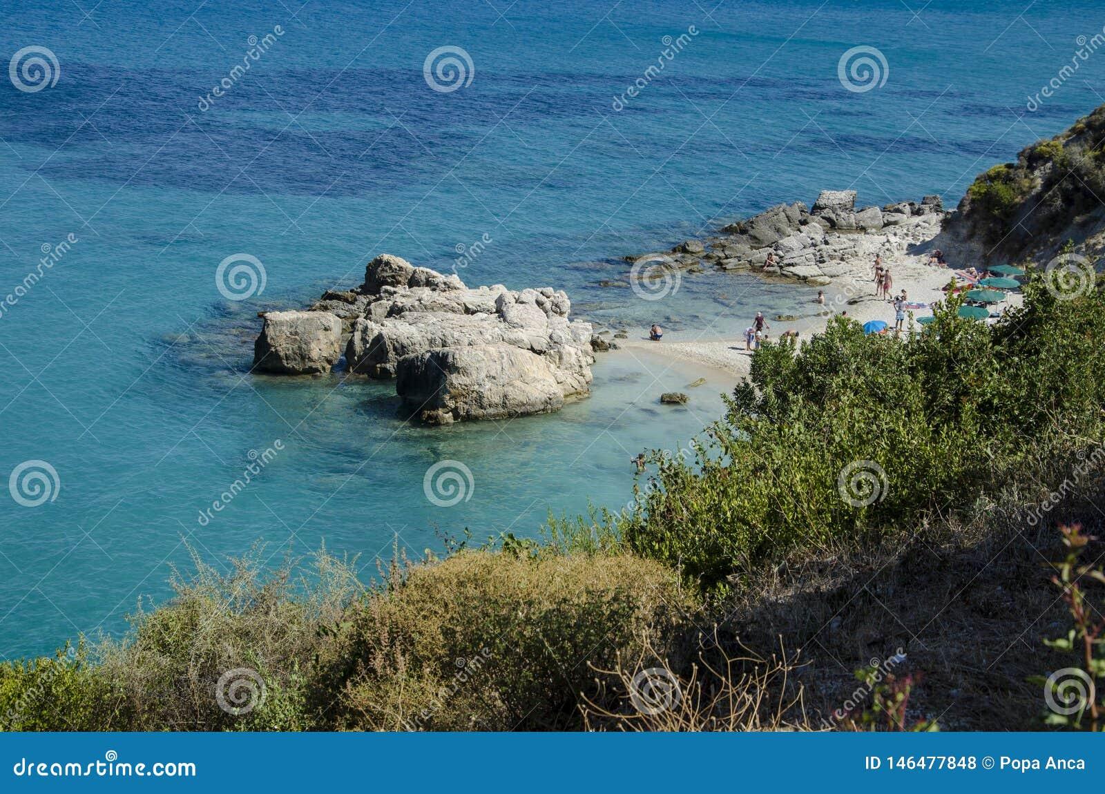Poca spiaggia di Xigia in Zacinto